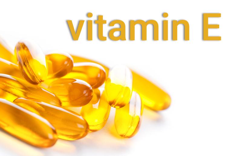 uống viên vitamin e trị sẹo rỗ theo chỉ định của bác sĩ da liễu