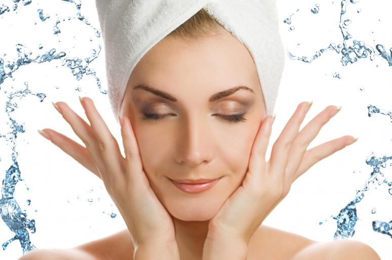 Lời khuyên của bác sĩ khi chăm sóc da sau điều trị bằng phương pháp Laser CO2 kết hợp PRP